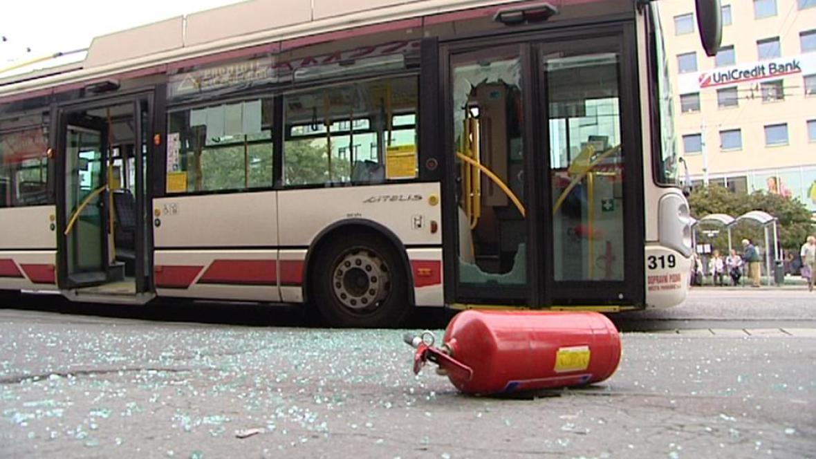 Poškozený trolejbus