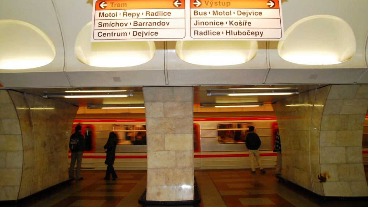 Stanice metra B Anděl