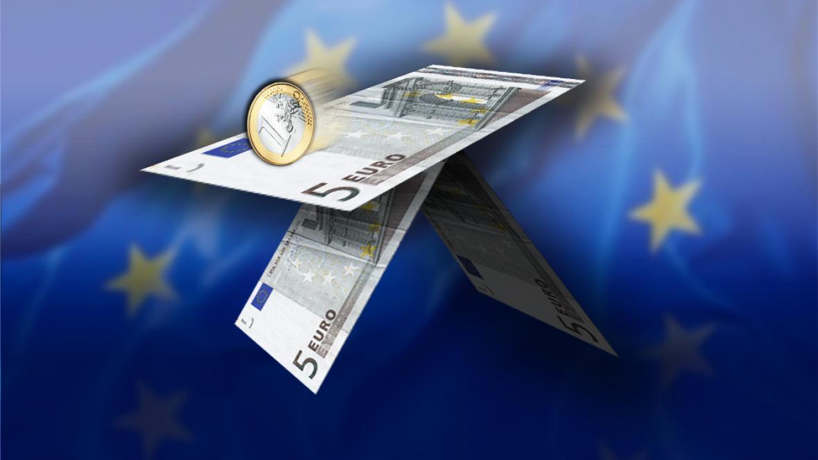 Eurodomeček z karet