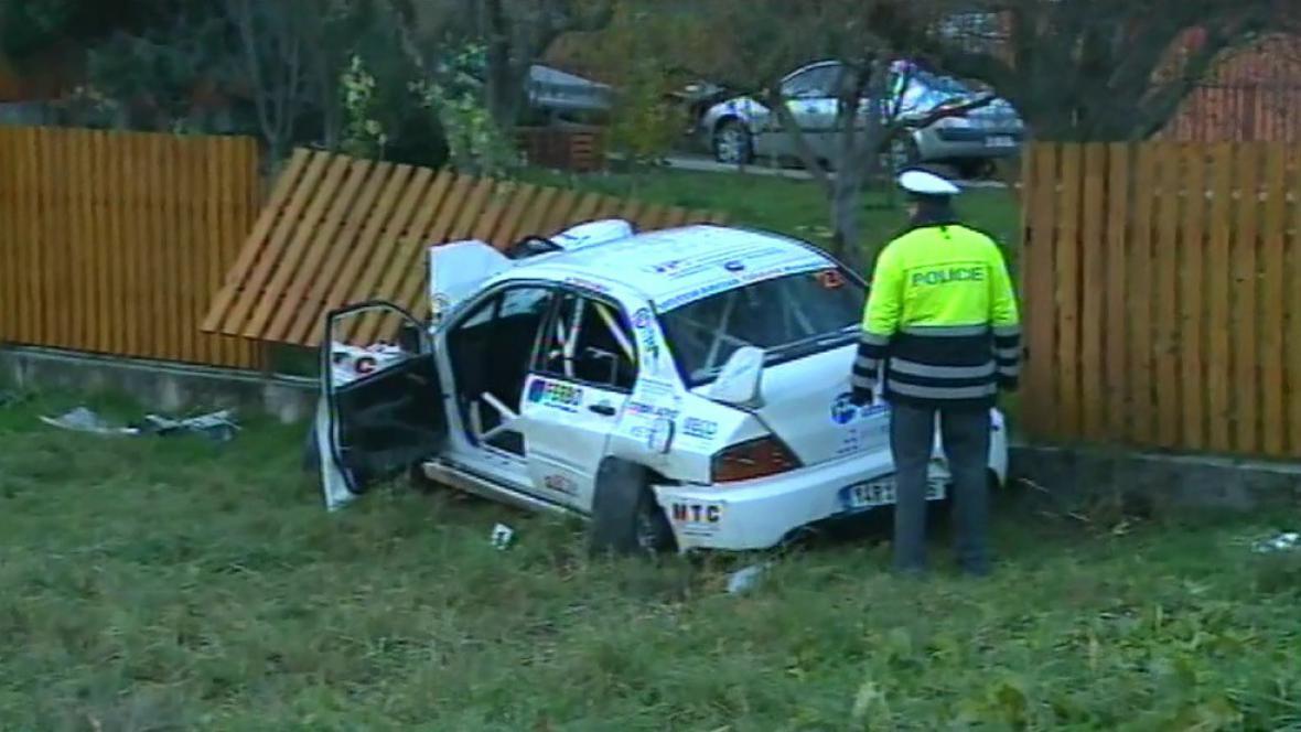 Nehoda na rallye stála život čtyři dívky