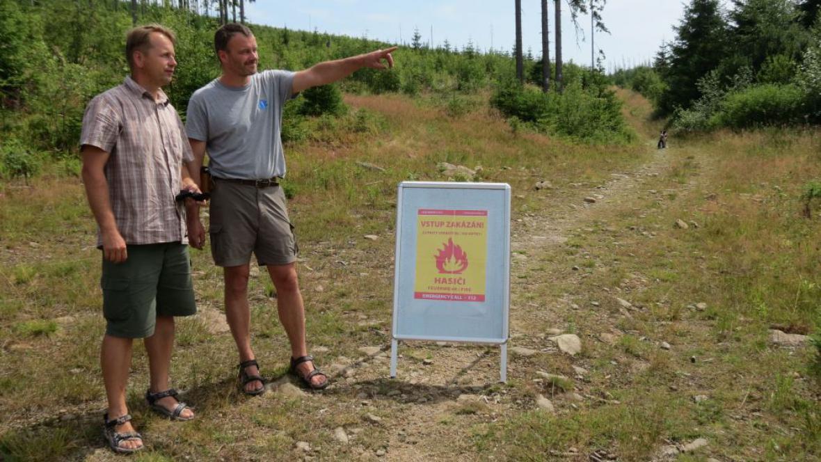 Šumavský národní park kvůli požáru uzavřel turistickou stezku