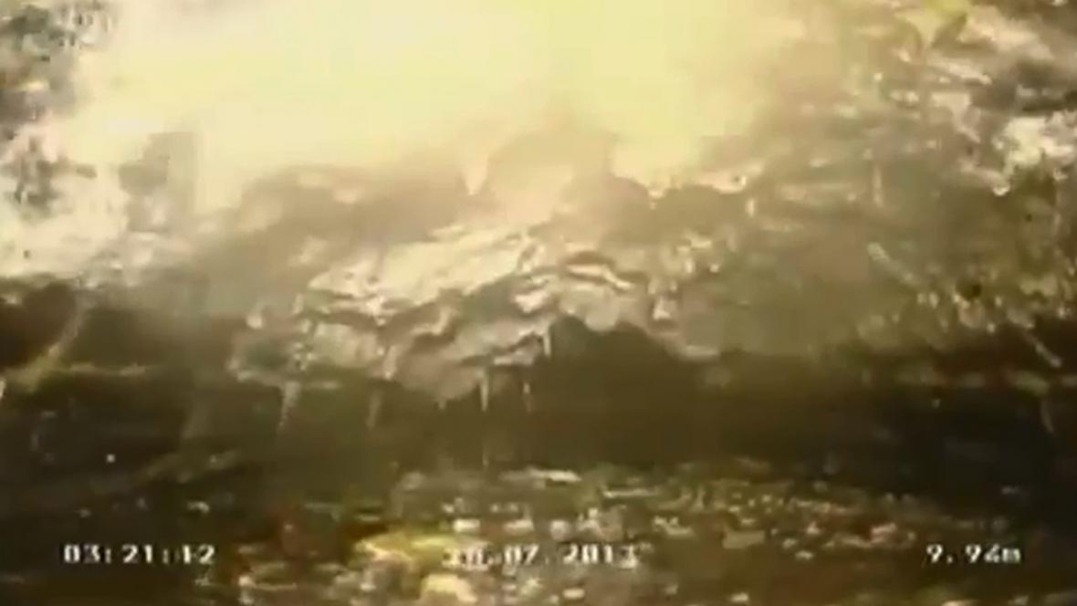 Tukový chuchvalec v londýnské kanalizaci