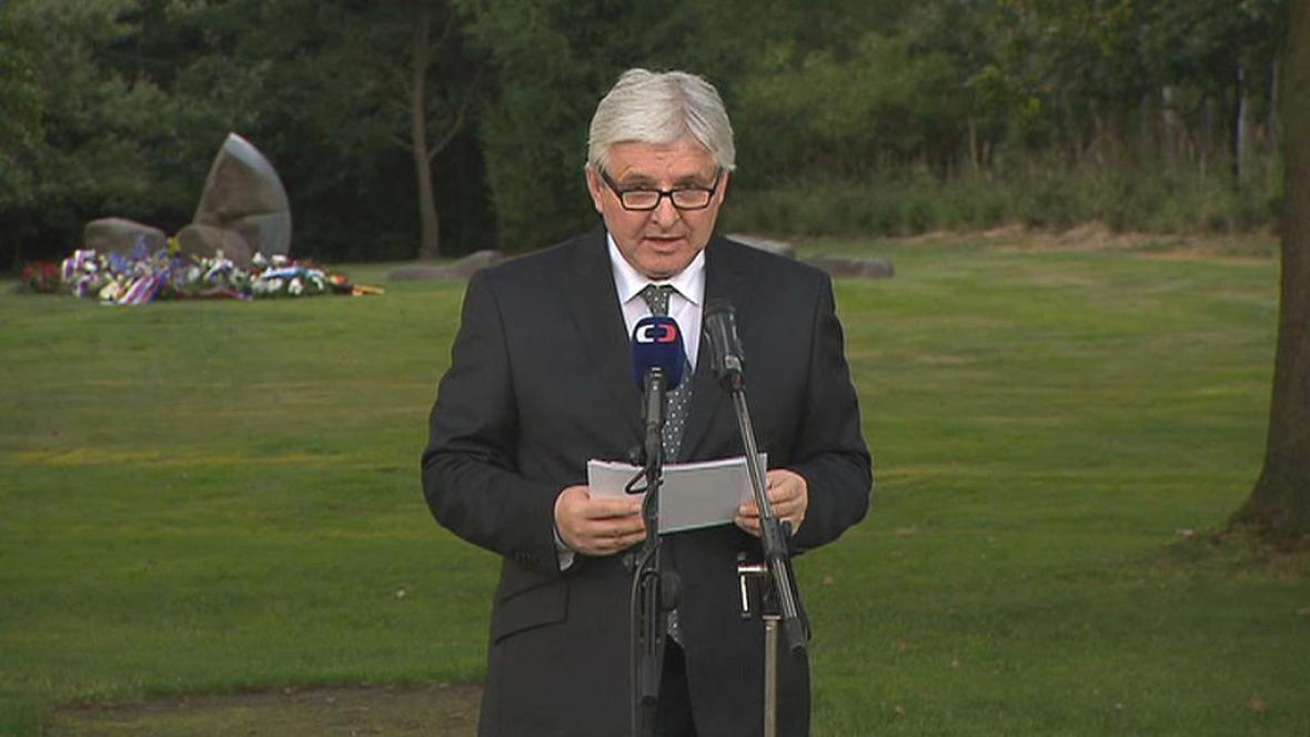 Jiří Rusnok uctil v Letech památku obětí romského holocaustu