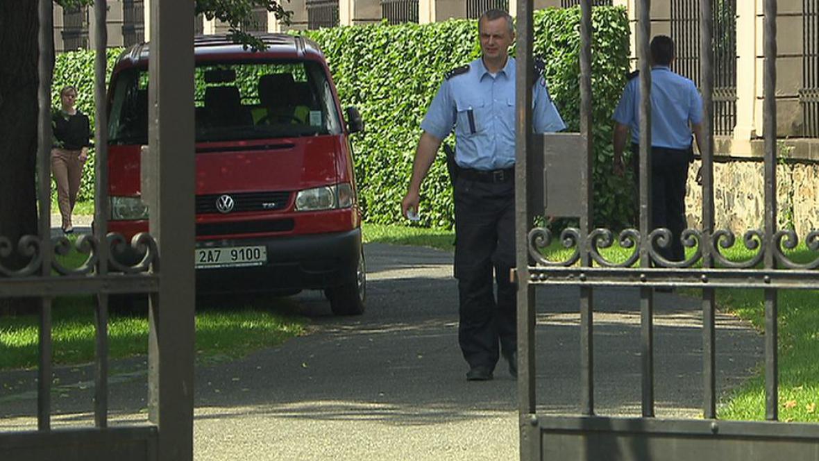 Policie v Úřadu vlády