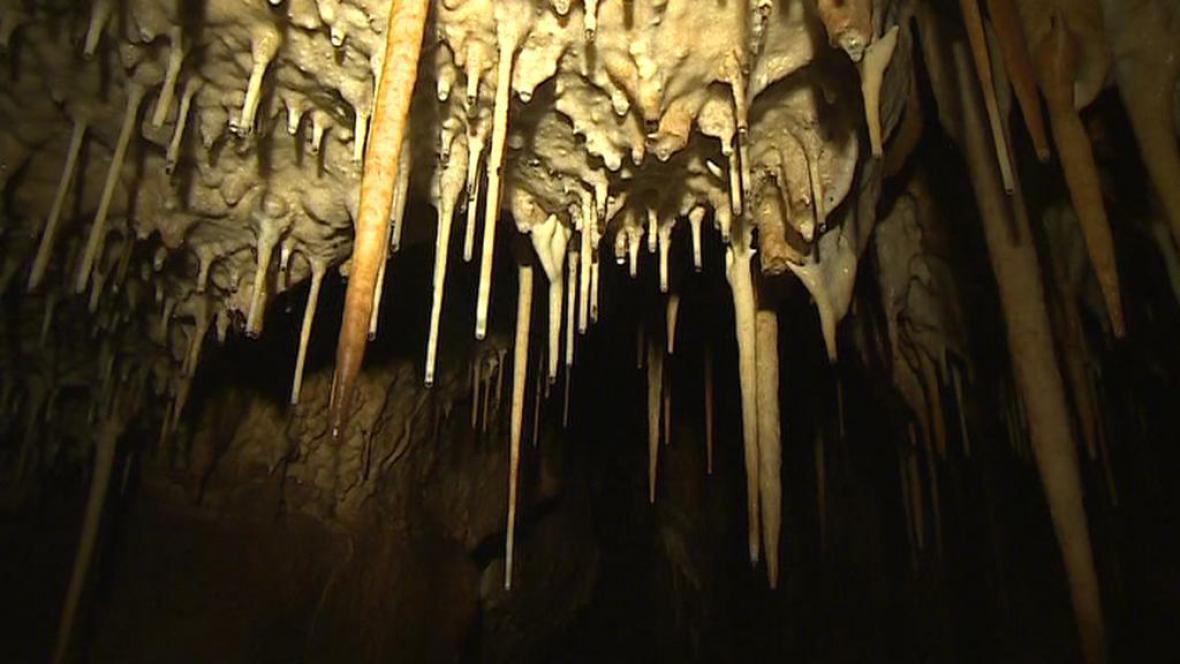 Krápníková výzdoba Matalovy jeskyně