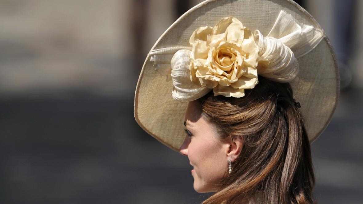 Vévodkyně z Cambridge na svatbě Zary Phillipsové