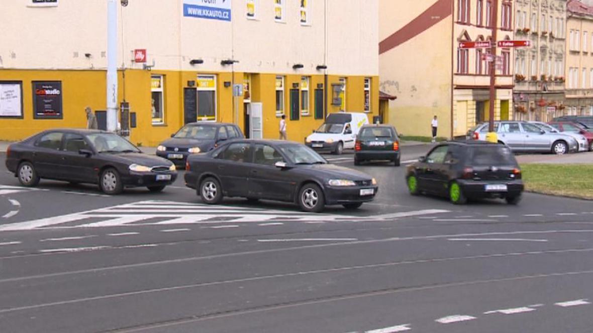 Křižovatka na Masarykově náměstí v Litvínově