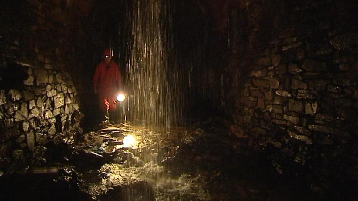 Podzemní tunel