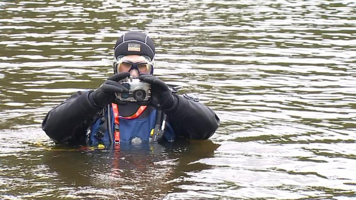 Potápěči v Malši