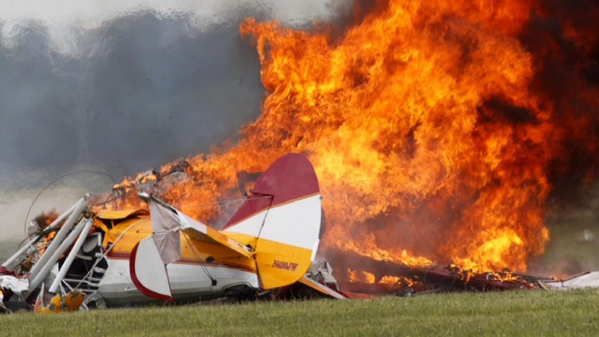 V USA se zřítil akrobatický letoun