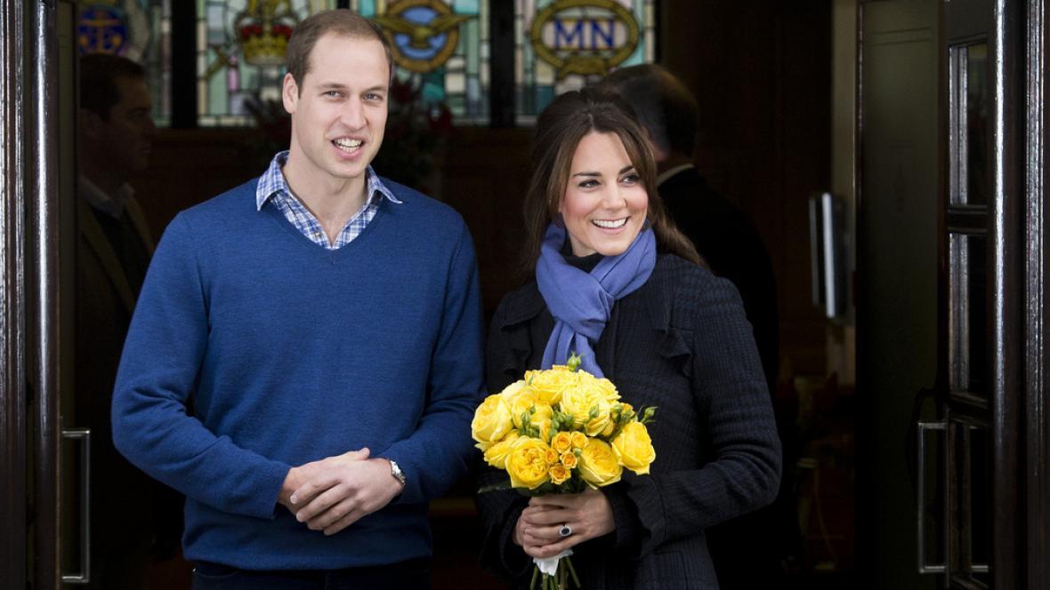 Kate v doprovodu Williama opustila nemocnici