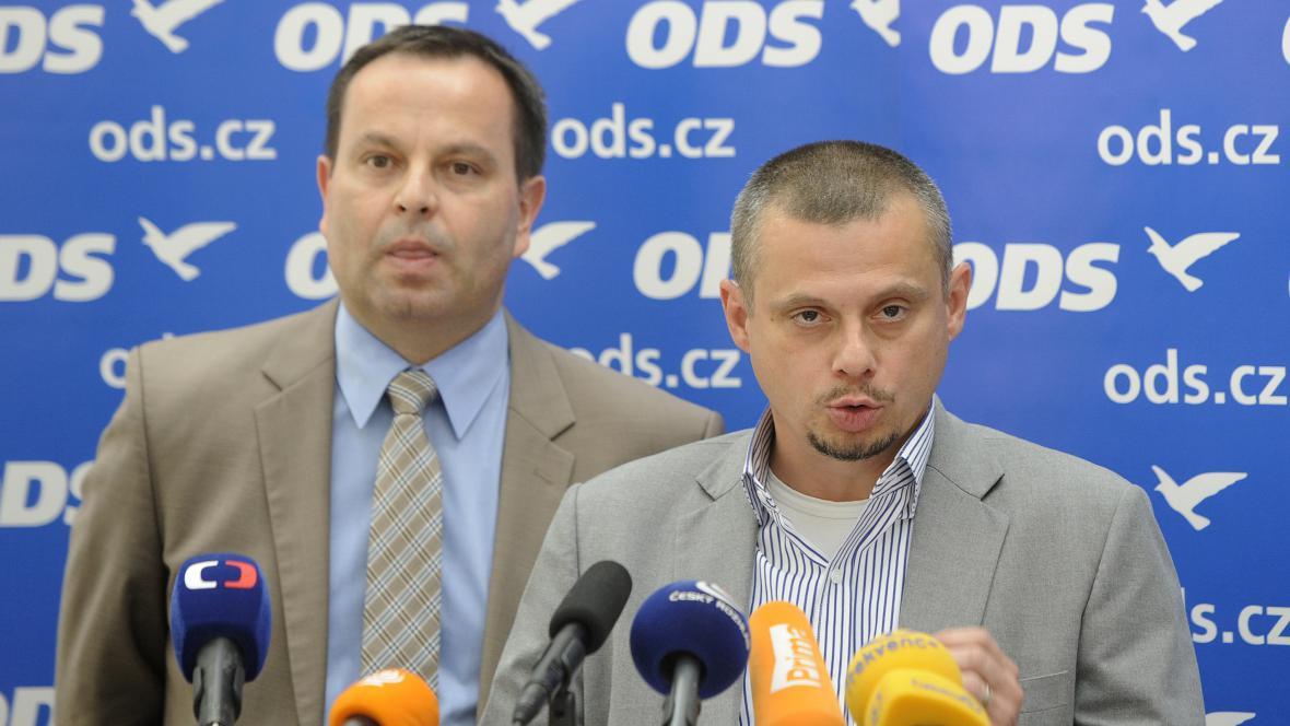 Jan Vidím a Jan Bauer z ODS na tiskové konferenci