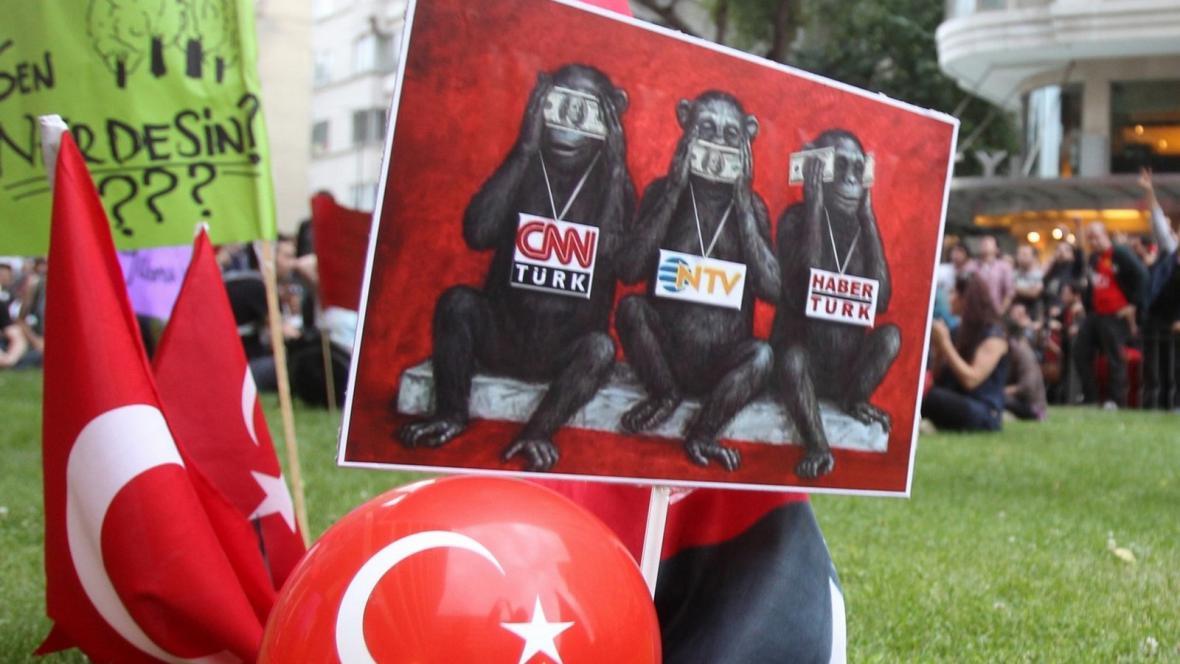 Protest proti mlčení tureckých médií