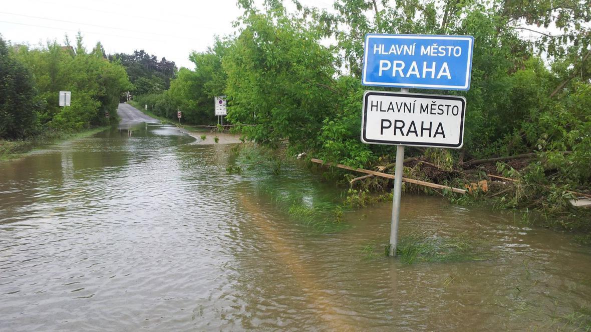 Rozvodněná Vltava v Praze
