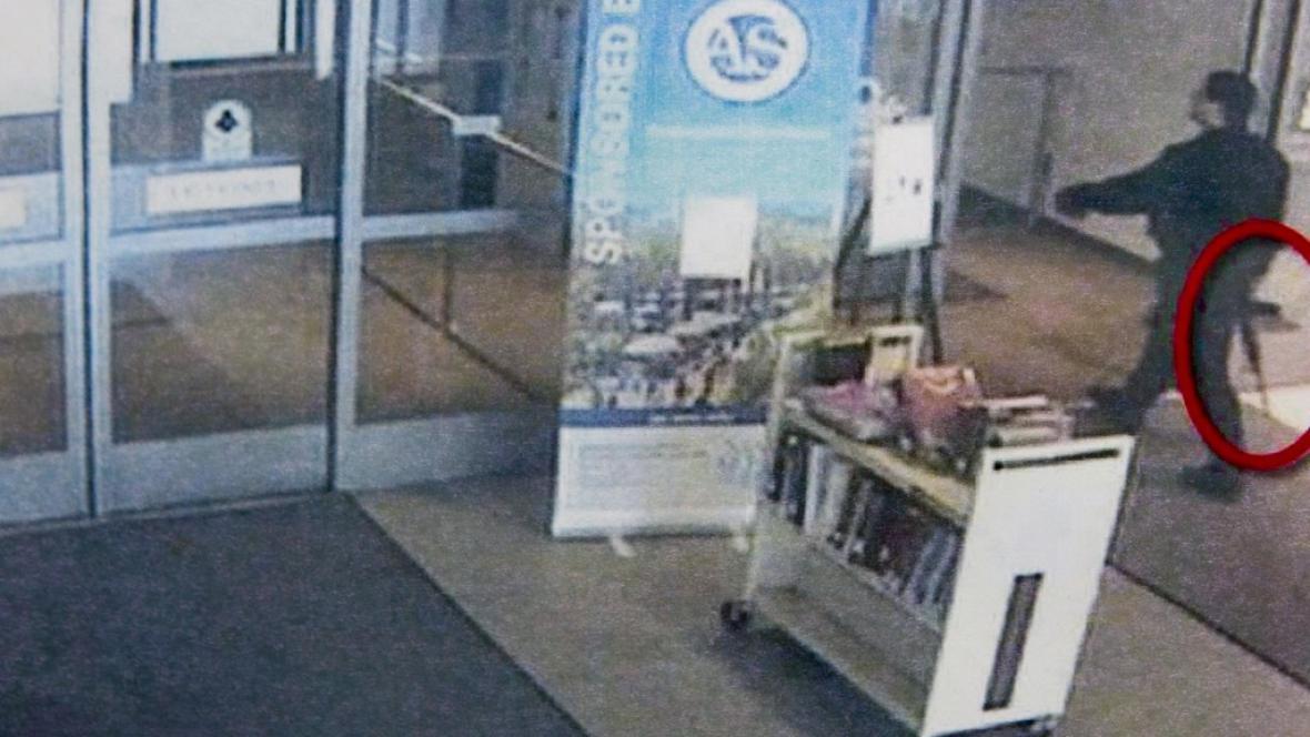 Záběr střelce na bezpečnostní kameře