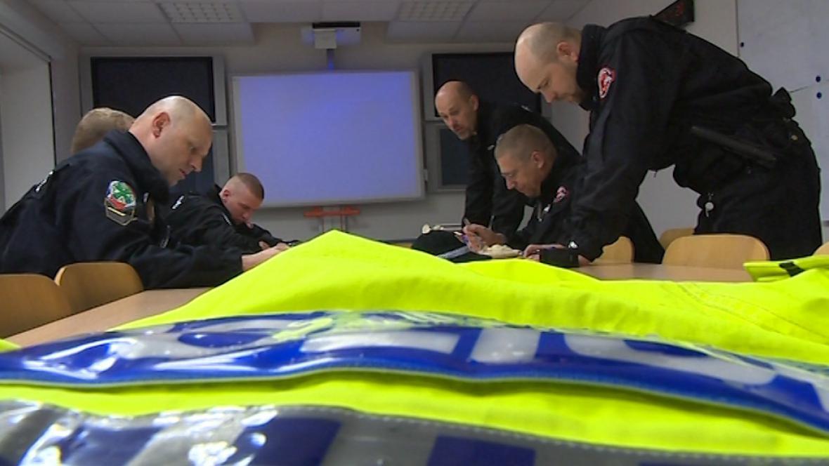 Strážnící se připravují k odjezdu