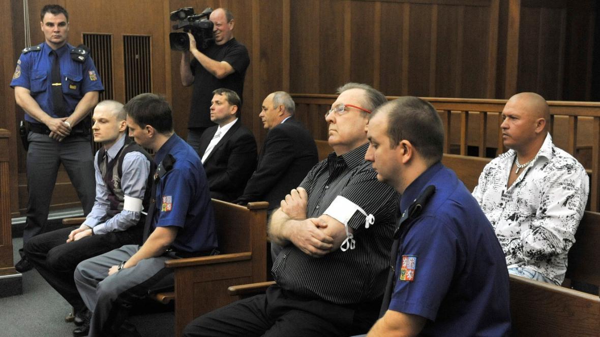 Podnikatel Radomír Vybíral a jeho syn Roman na lavici obžalovaných