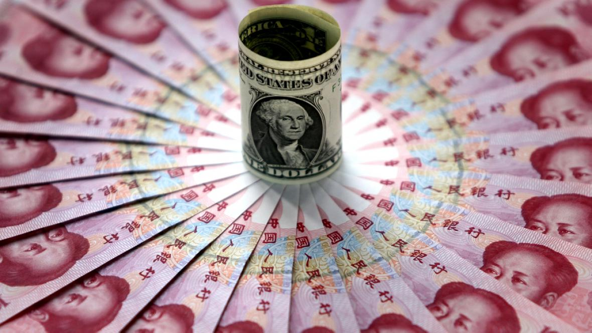 Jüan versus dolar