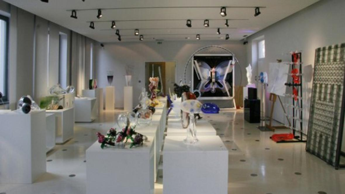 VIP sklo/ Mezinárodní sklářské sympozium IGS