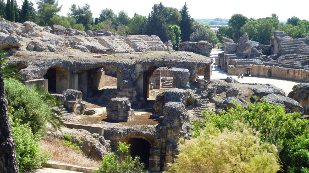 Ruiny starověkého amfiteátru