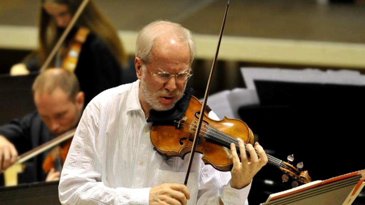 Lotyšský houslista Gidon Kremer