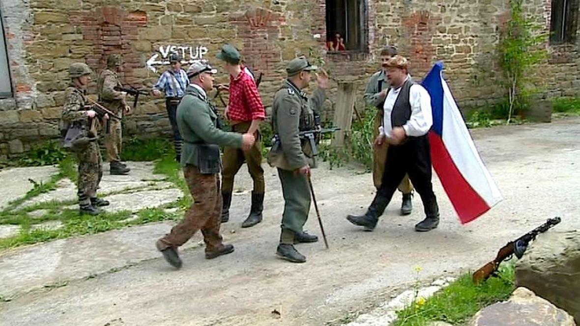 Rekonstrukce bojů v Radíkově u Olomouce