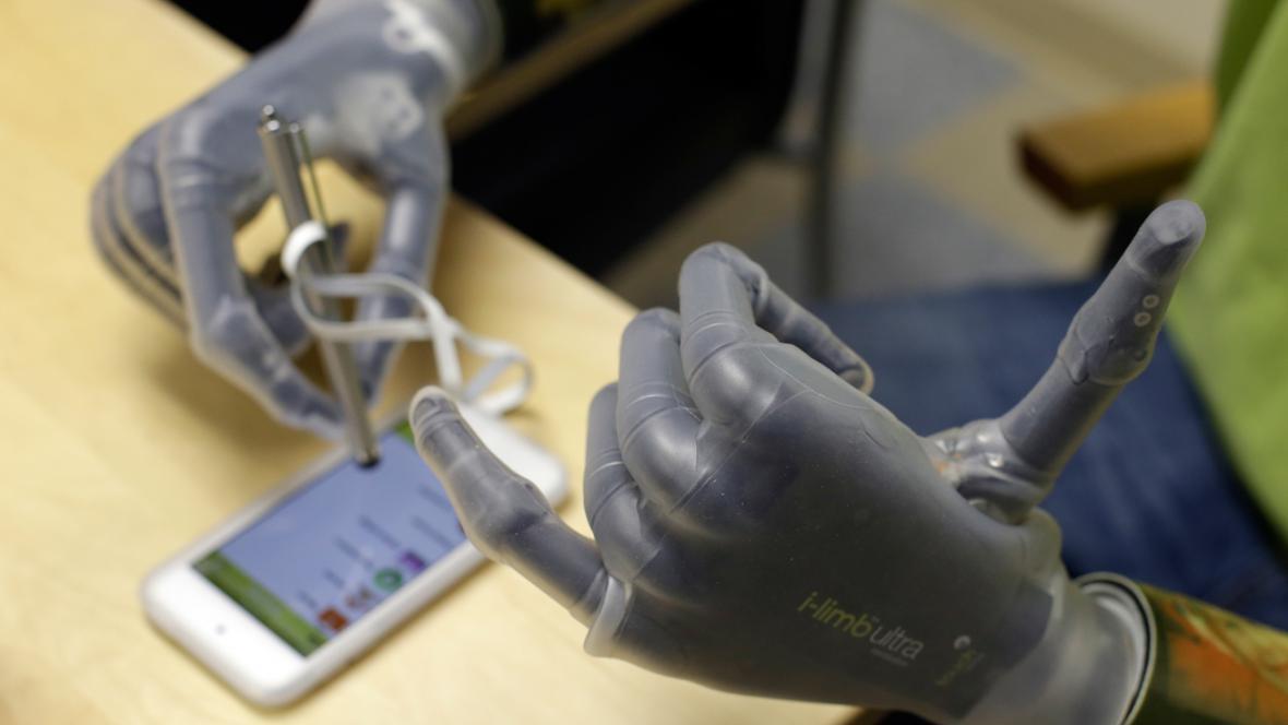 Bionické protézy Jasona Kogera