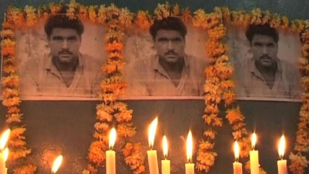 Indie truchlí za svého farmáře zabitého v Pákistánu