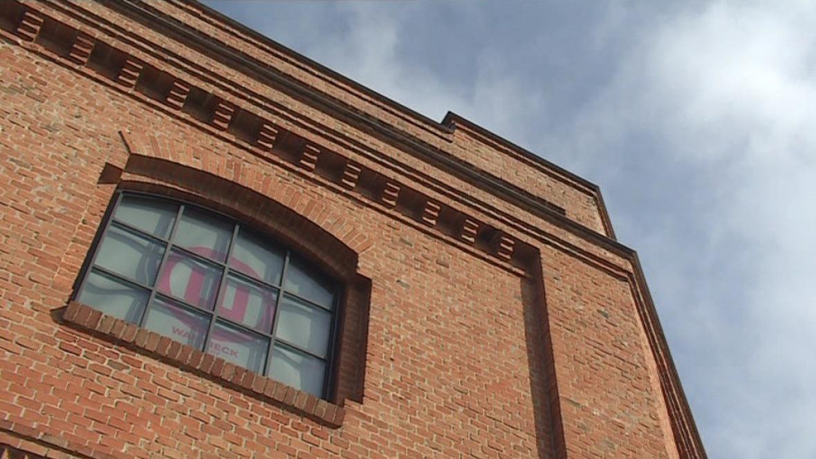 Galerie moderního umění sídlí v bývalé strojírně už šest let