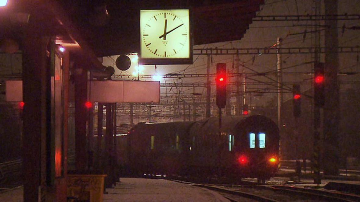 Poslední spoj opouští nádraží