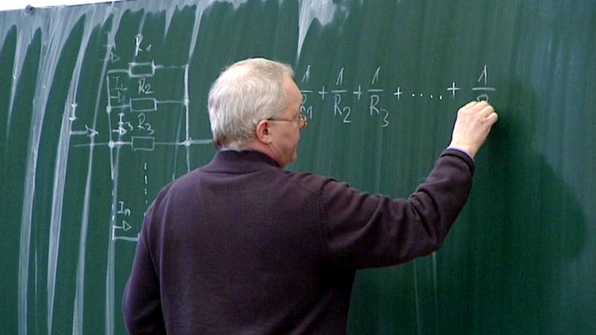 Vyučování na Střední průmyslové škole v Hradci
