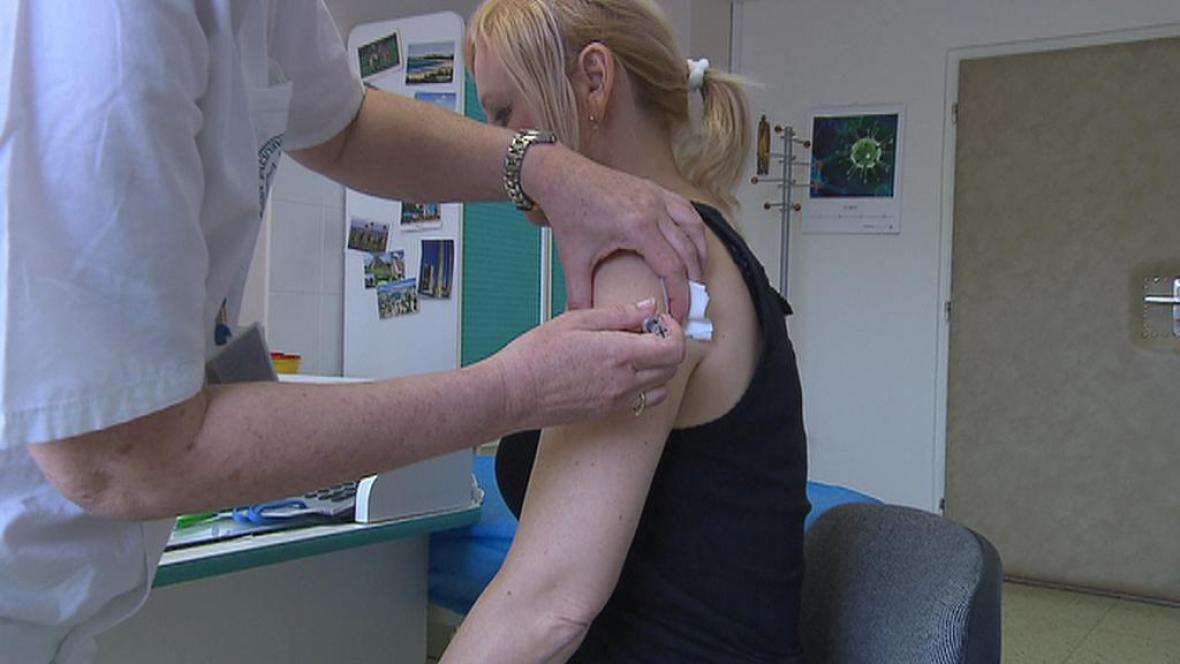 Aplikace očkovací vakcíny