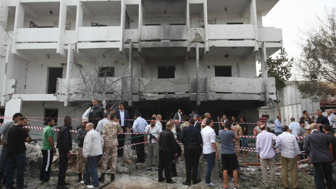 Výbuch před francouzskou ambasádou v Tripolisu