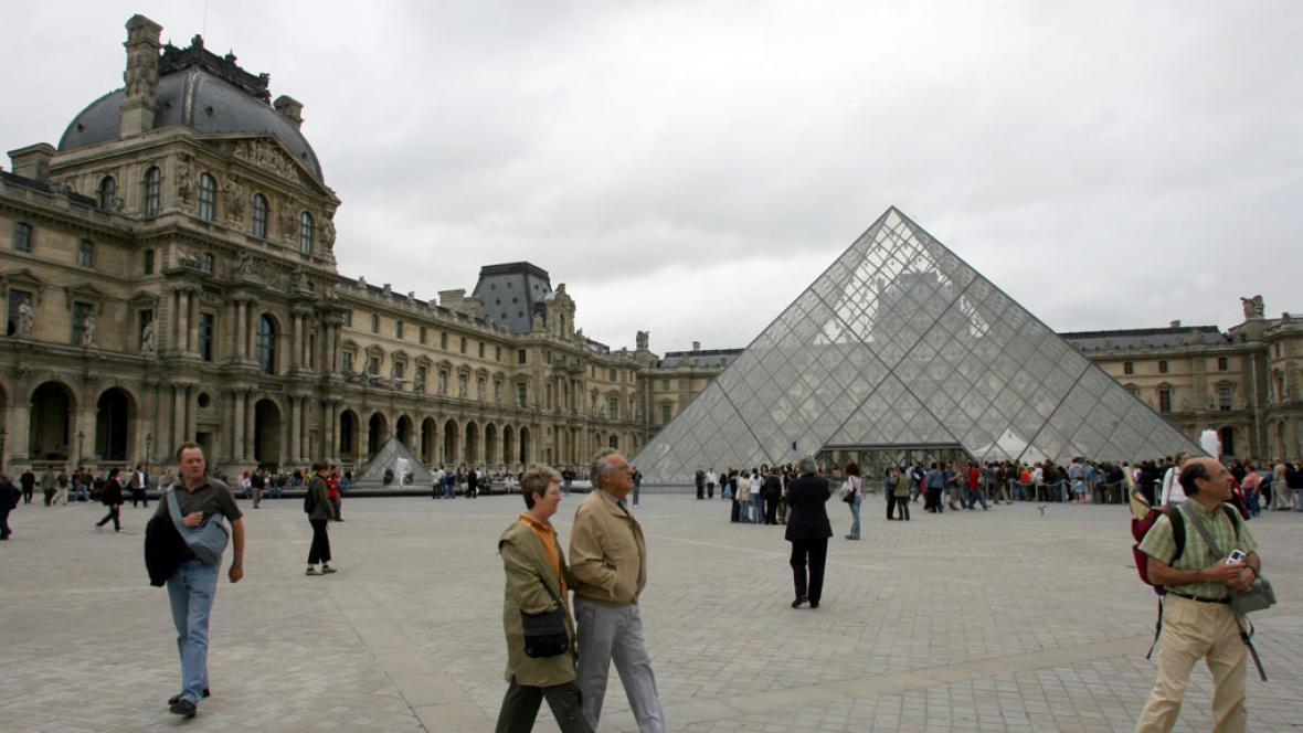 Paříž - Louvre