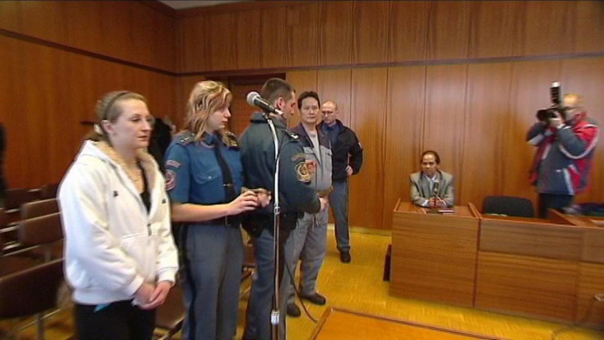 Obžalovaní před soudem