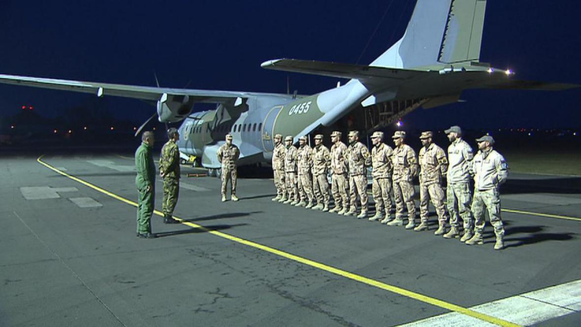 Přílet letounu CASA z Afghánistánu
