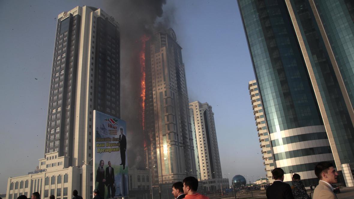 Požár mrakodrapu v Grozném