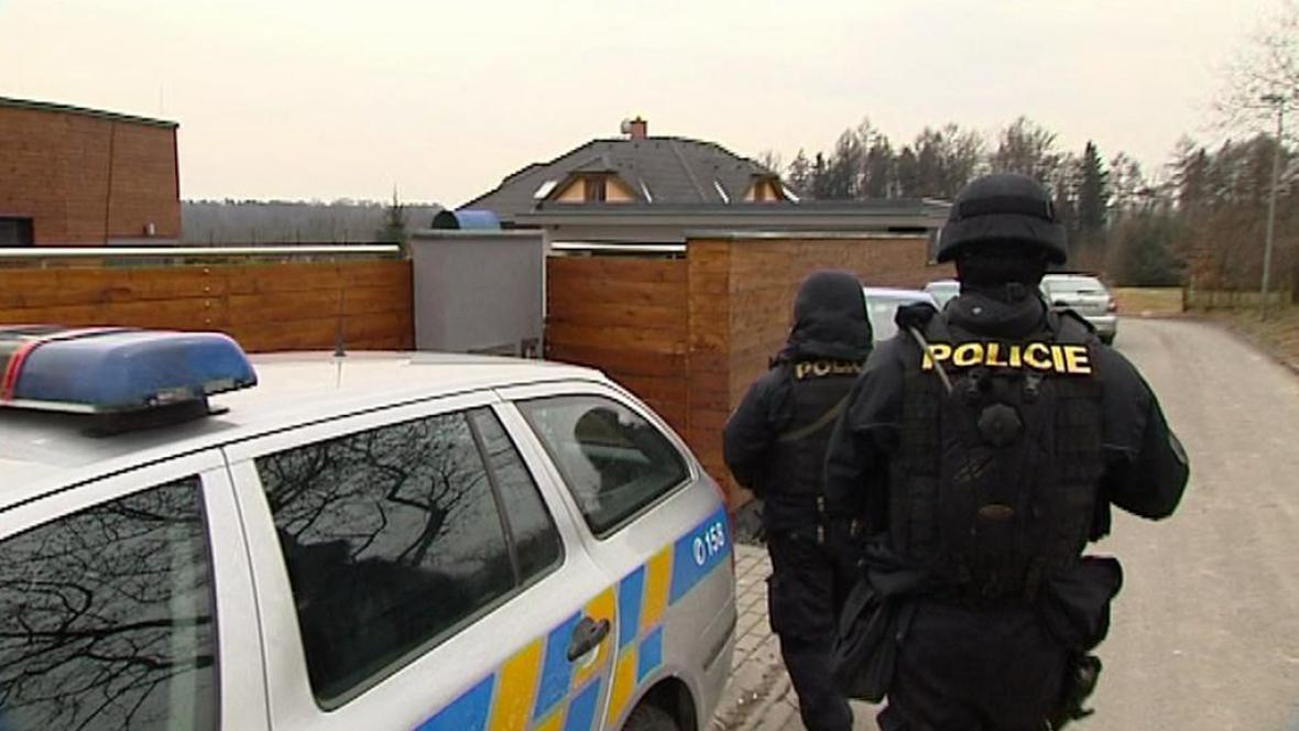 Policie zatýkala kvůli daňovým únikům