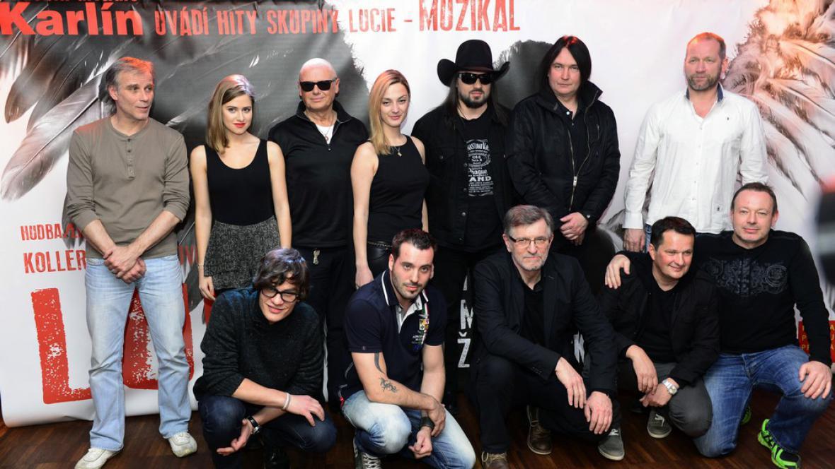 Herci a tvůrci muzikálu Lucie, větší než malé množství lásky