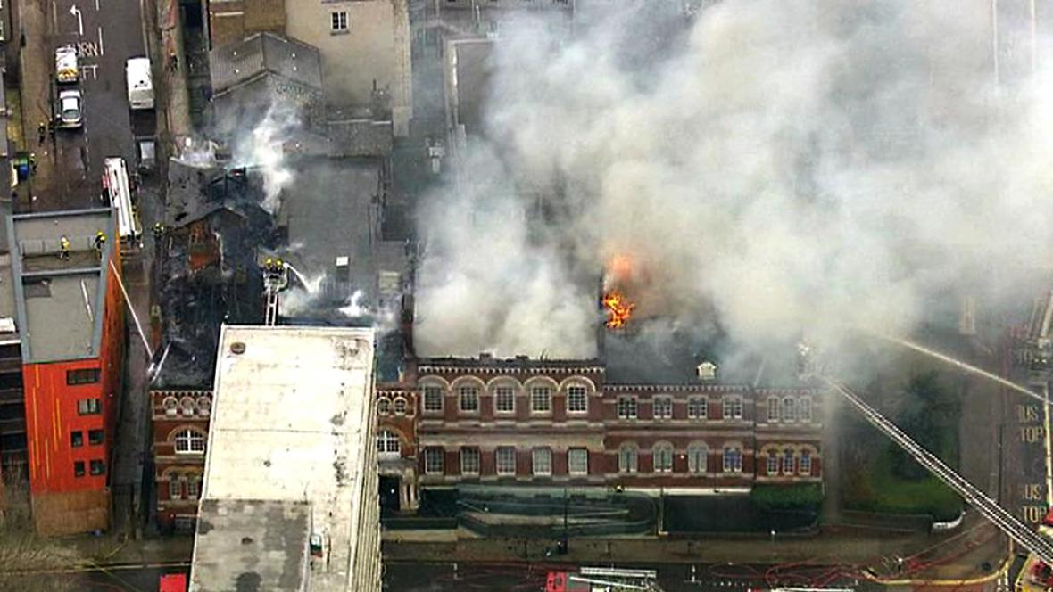 Požár knihovny a muzea Newington