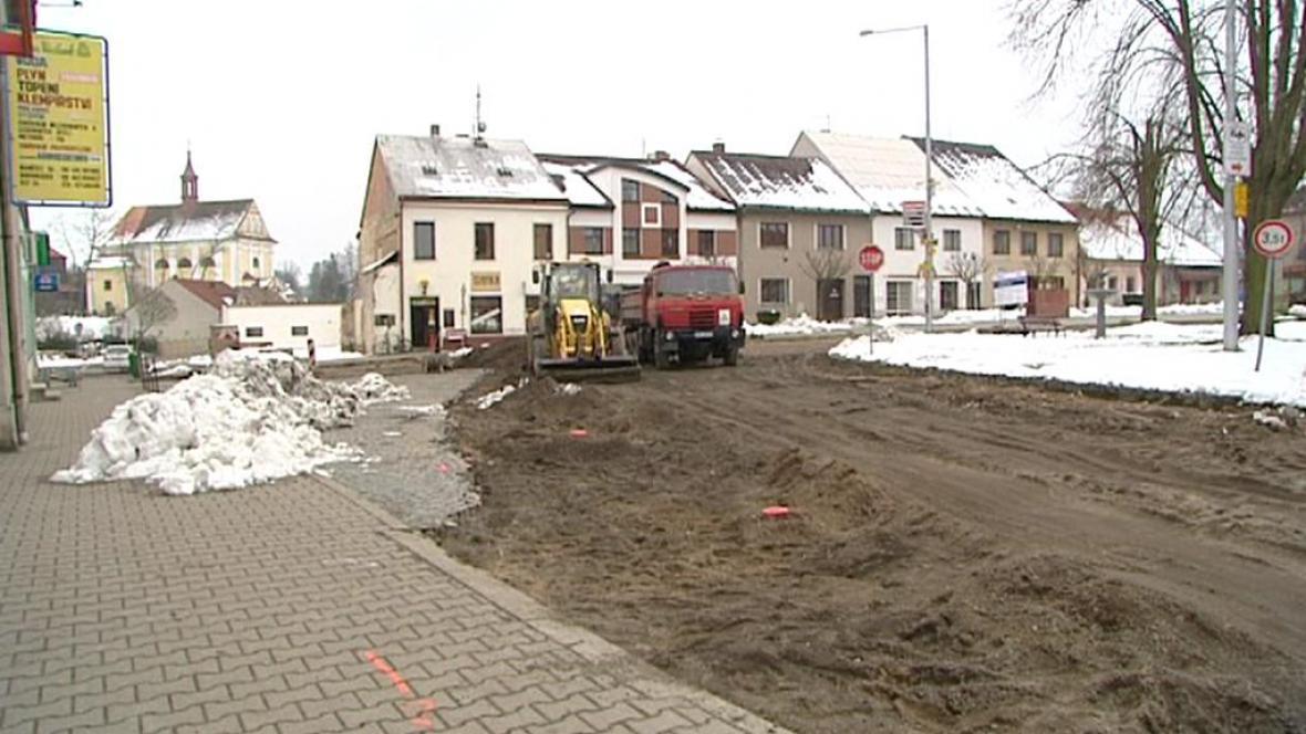 Rozkopaná silnice