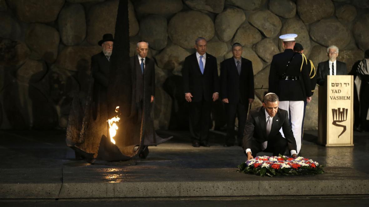 Barack Obama položil věnec v památníku Jad vašem