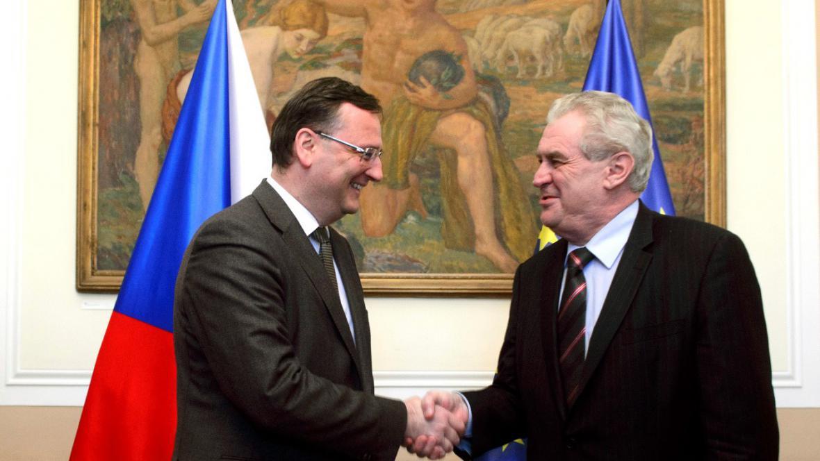 Petr Nečas a Miloš Zeman před jednáním vlády