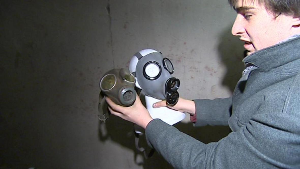 Plynové masky pro děti a dospělé