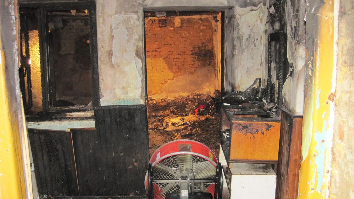 Vyhořelý dům