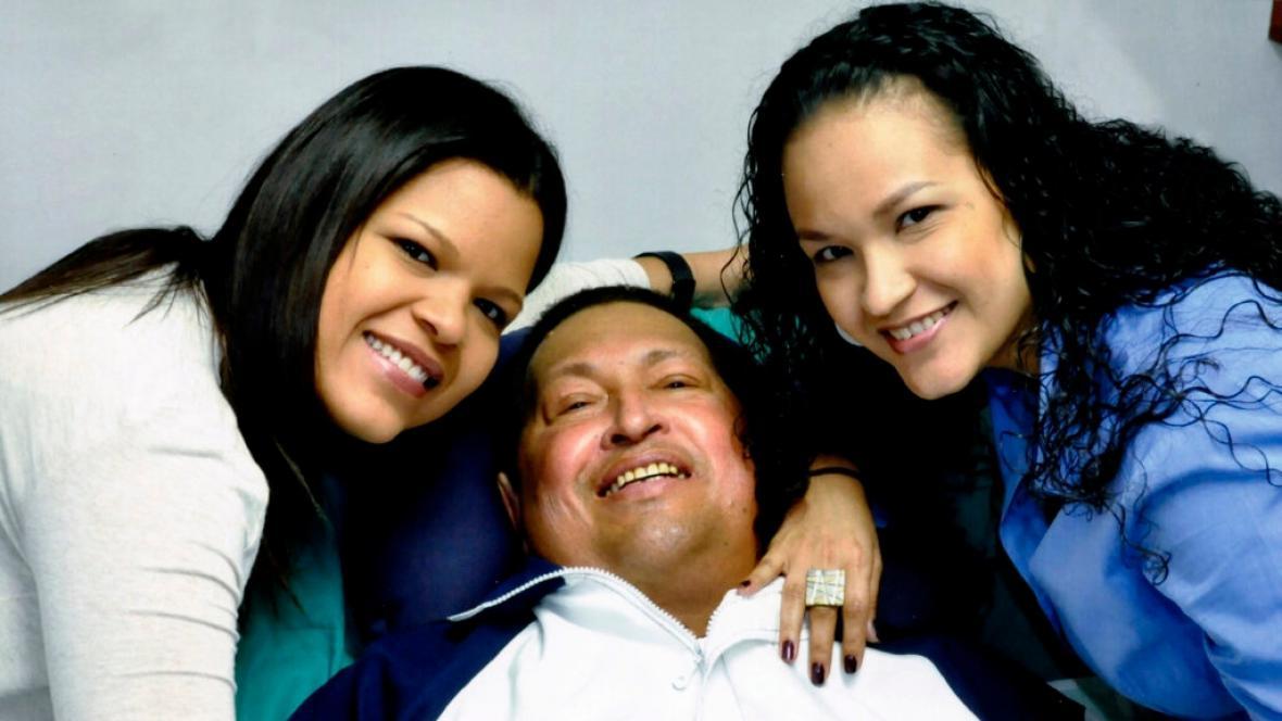 První zveřejněné snímky Cháveze po prosincové operaci