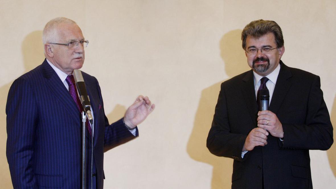 Václav Klaus s kancléřem Jiřím Weiglem