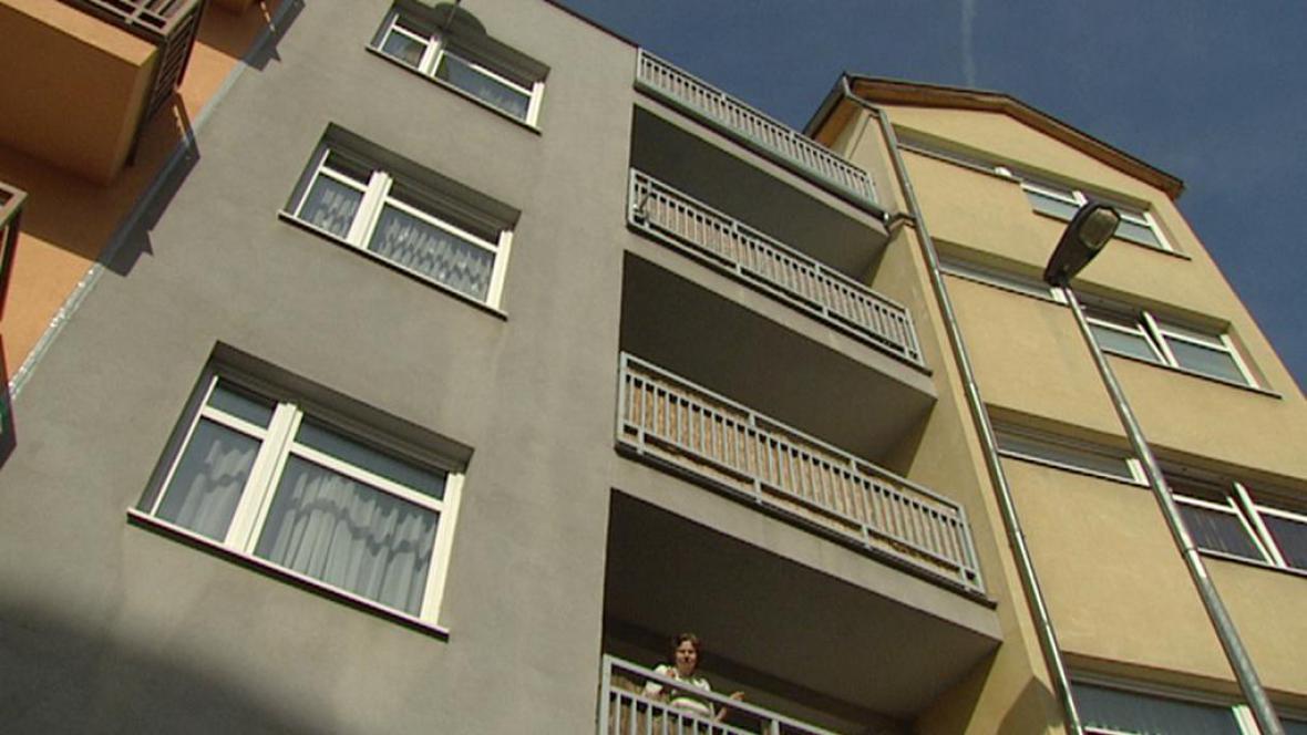 Řadě domů na Praze 4 hrozí zbourání