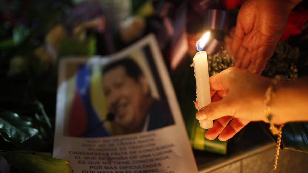 Lidé truchlí za Cháveze