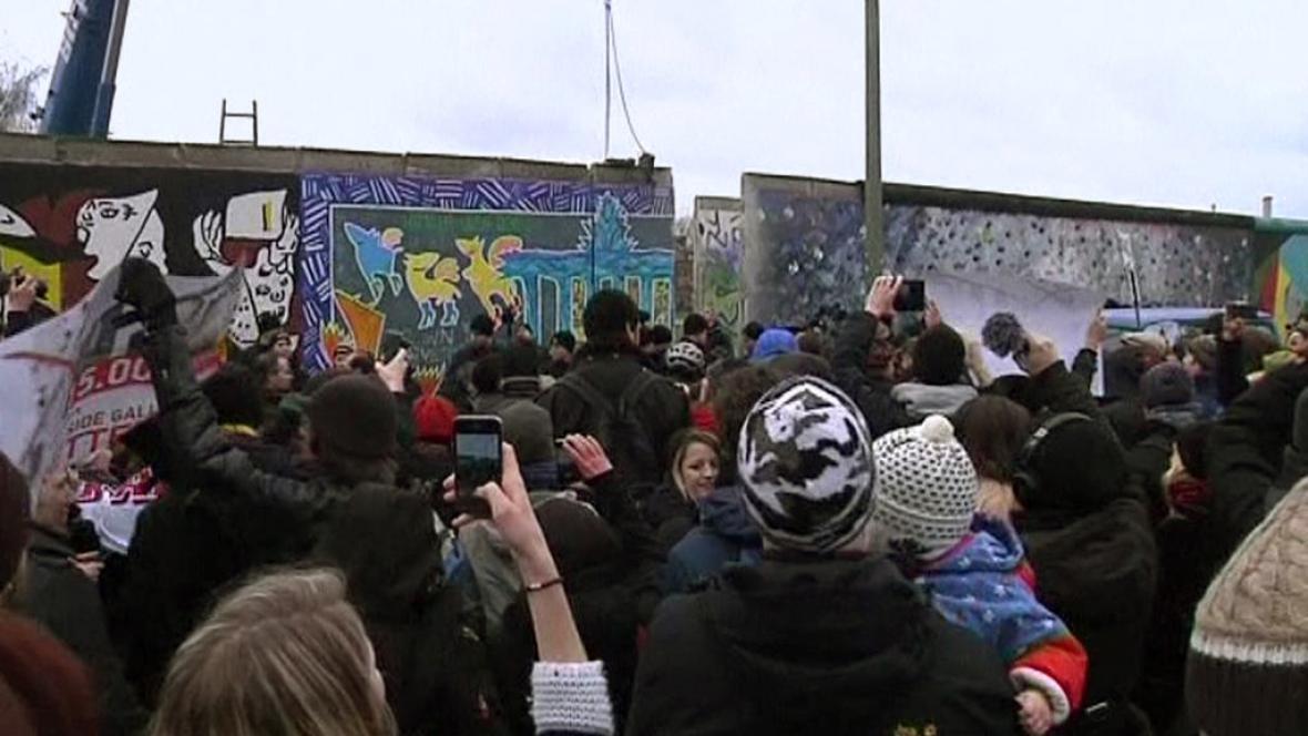Protest proti bourání Berlínské zdi